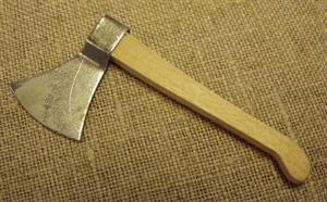 Billede af Økse med træskaft til 28 cm. figurer