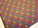 Billede af Flerfarvet trekantmønstret stof